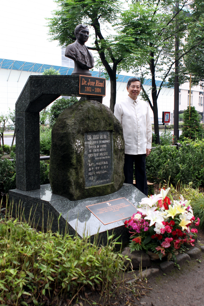 Amb. Manuel L. Lopez at the bronze bust of Dr. Jose Rizal in Hibiya Park - the site of the Tokyo Hotel where Rizal stayed as a tourist.