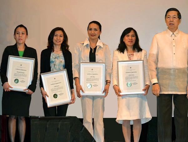 2011 Bagong Bayani (New Heroes) Awardees for Community and Social Service: The four Filipino caregivers working in Komine-en, Shirakawa City, (from left) Mercedes Joie G. Aquino, Sandra S. Otacan, Juliet C. Tobay and Gemma F. Juanay pose with Philippine Ambassador to Japan Manuel M. Lopez after receiving their Certificate of Appreciation from the Philippine Embassy in Japan during the celebration of Philippine Independence Day in June 2011.
