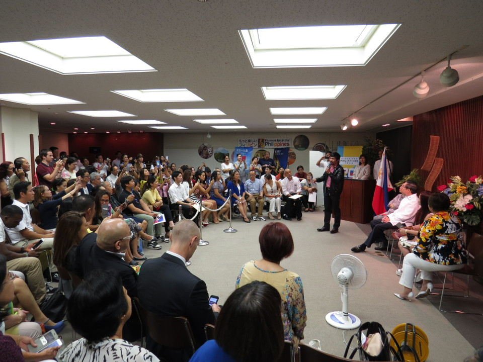 Cong. Pacquiao Meets Filipino Community in Tokyo, Reminds Filipinos of Value of Sharing Benefits with Country and People
