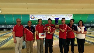 Consul Dominic Xavier M. Imperial, Team Leader of the Philippine Embassy Bowling Team, raises the Championship Challenge Trophy for Team Philippines in the 2016 ASEAN Committee in Tokyo (ACT) Bowling Tournament held on 28 August 2016.  Other members of the team include: (L-R) Attaché Aurelio L. Exaltacion Jr.; Mr. Ricardo T. Arrangote; Mr. Mars Valery R. Zafra; Attaché Lawrence V. Cuevas (Team Captain); Attaché Reynaldo W. Cahayag Jr.; and Attaché Veronica A. Bernardino.