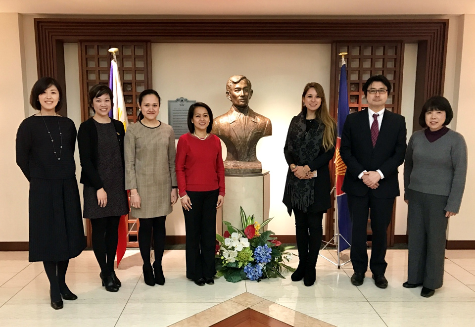 Madame Marissa V. Meñez with the Embassy's Cultural Section and 31st Okinawa International Orchid Show partners, Ms. Isabelle Massabo (Television Inc.), florist Mr. Masashi Minegishi and table arrangement artist Ms. Kae Tabuchi.