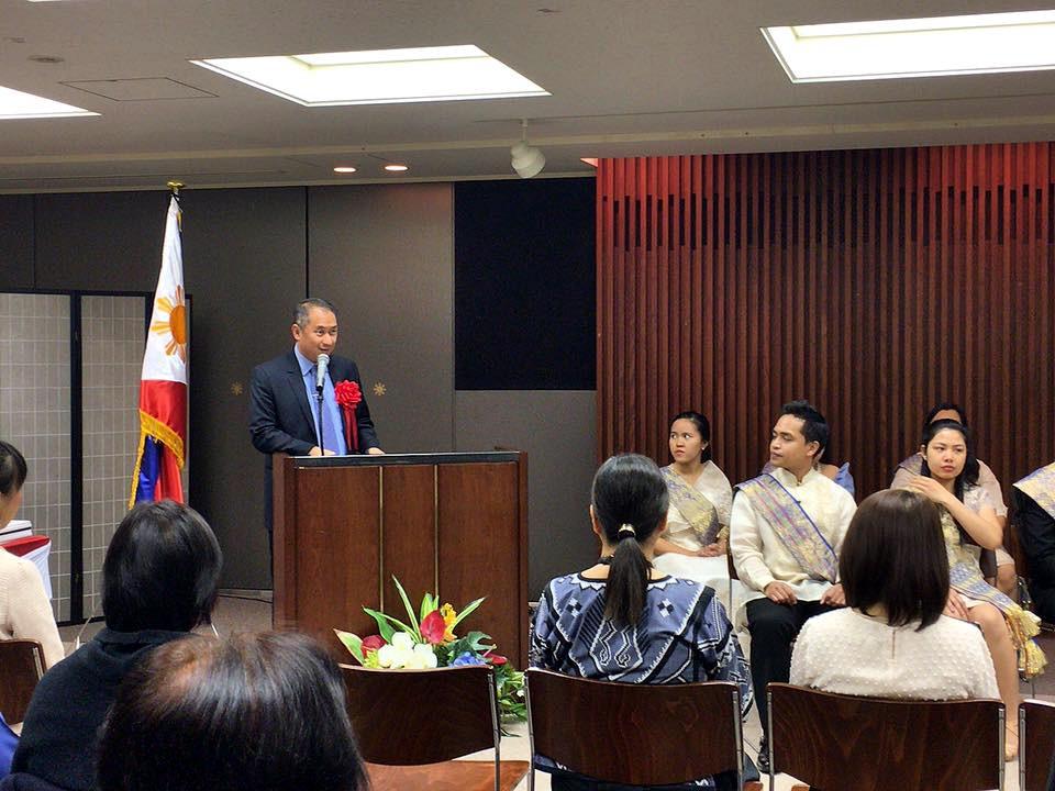 CDA Eduardo M.R. Meñez expresses the Embassy's congratulations to the 12 Filipino graduates.