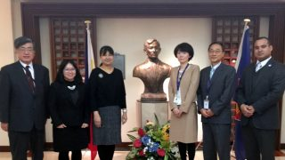 "Consul General Marian Jocelyn Tirol-Ignacio (3rd from the left), together with ATN Officer and Consular Attache, Diane B. Bartolome (2nd from the left) met with Ms. Yuko Hayashi and Mr. Atsushi Tsuchida of Houterasu's Information Service Division as well as Mr. Koichi Funayama and Cesar Cabrejos of LanguageOne Corporation on 8 March 2017. They discussed the free legal information and legal services provided by Houterasu as well as the proposal to offer ""Multilingual Information Service"" in Tagalog."