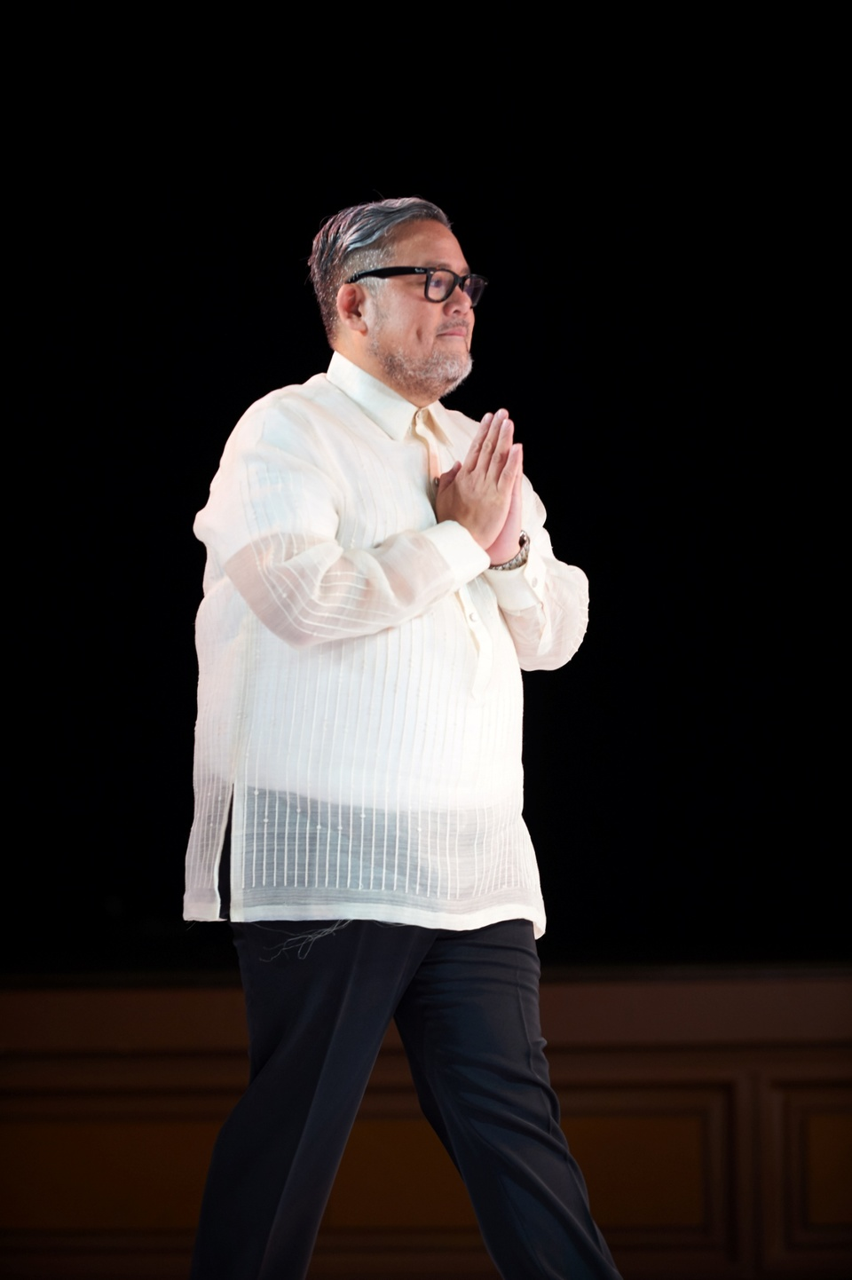 Rajo Laurel held his first ever Independence Day Fashion Show in Tokyo featuring some of his best collections – Pintados, Black, White, Nude and Hanami.