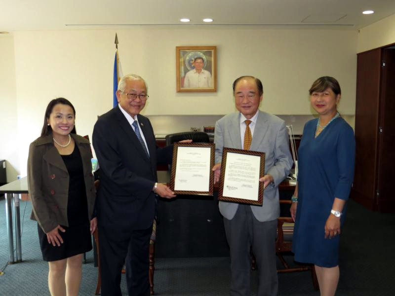 (L-R) Ms. Leah Victoria C. Rodriguez, First Secretary & Consul; Ambassador Jose C. Laurel V; Mr. Makoto Maeda, retired PHL Honorary Consul in Nagoya City; and Ms. Marian Jocelyn R. Tirol-Ignacio, Minister & Consul-General.