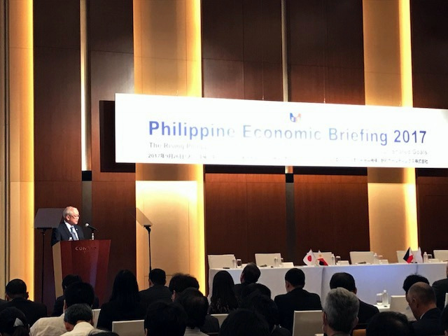 Ambassador Jose C. Laurel V delivers his opening remarks during the Philippine Economic Briefing 2017