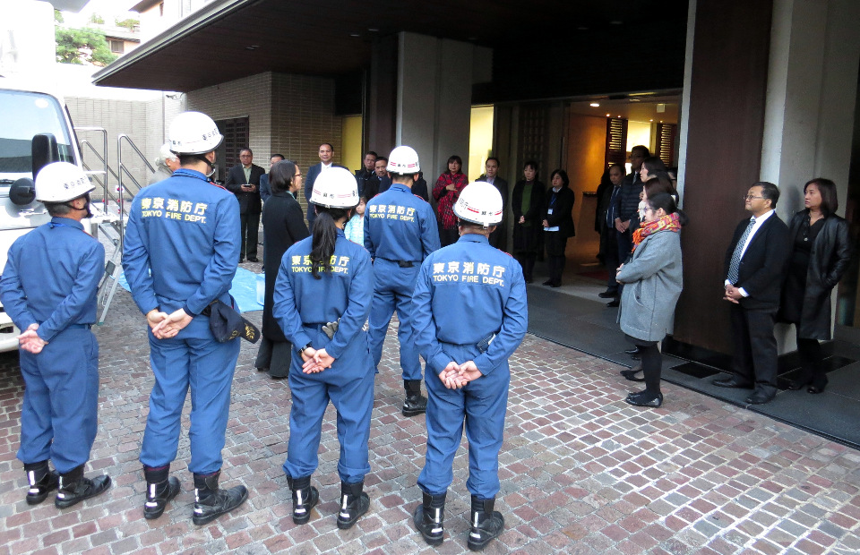 The team from Azabu Fire Station conducting the Disaster/Emergency Drill Training outside the Embassy.