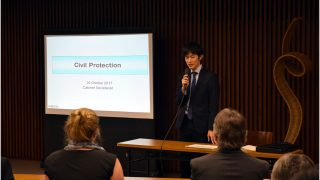 Japanese Government expert Mr. Hokuto Asano explains Japan's civil protection system for armed attacks to the diplomatic community (Photo: Tokyo PE/Richard Roldan).