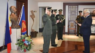 Ambassador Jose C. Laurel V (right in suit) led the Oath of Allegiance of 2nd  Lieutenants Allan Kenny M. Manuel (left most) and Bernard Bagorio (2nd left).  Also in attendance was Defense Attaché Col. Noel Z. Plaza.