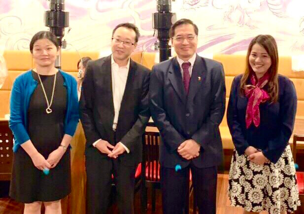 Consul General Robespierre Bolivar and Mme Maria Aurora Bolivar met with Honorary Consul Ken Tobe and Mme Megumi Tobe during the Embassy outreach in Sapporo City.