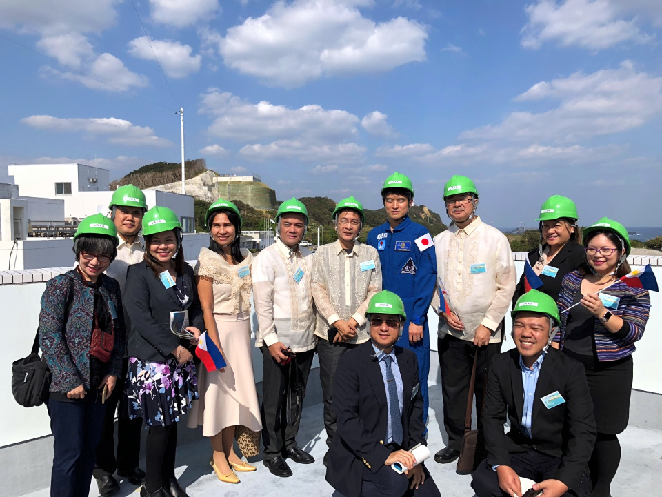 The Philippine delegation, led by Secretary of Science and Technology Dr. Fortunato De la Peña (third from right), witnessed the launching of Diwata-2 Micro-satellite on-board Japan's H-IIA Launch Vehicle No. 40.