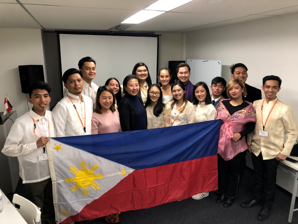 Young Filipino journalists and media practitioners, visiting Japan on a one week study tour, pose with Minister Evangeline Ong Jimenez-Ducrocq of the Philippine Embassy in Tokyo