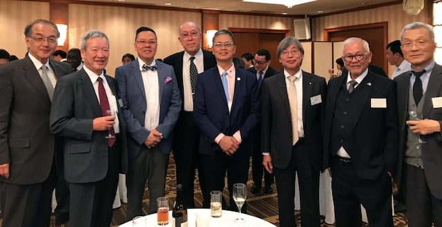 Ambassador Laurel (second from right) poses with Filipino participants, Mr. Ronnie Yambao from the Subic Bay Metropolitan Authority (third from left) and Mr. Eligio Fortajada from the Philippine Ports Authority (fourth from right) and officials from the Japan International Cooperation Agency (JICA) and Japan Overseas Ports Cooperation Association (JOPCA) at the Welcoming Party of the JICA Seminar on Strategic Port Management held on 21 January 2019 in Tokyo, Japan.