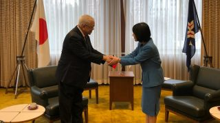 Governor of Hokkaido Harumi Takahashi warmly greets Ambassador Jose C. Laurel V