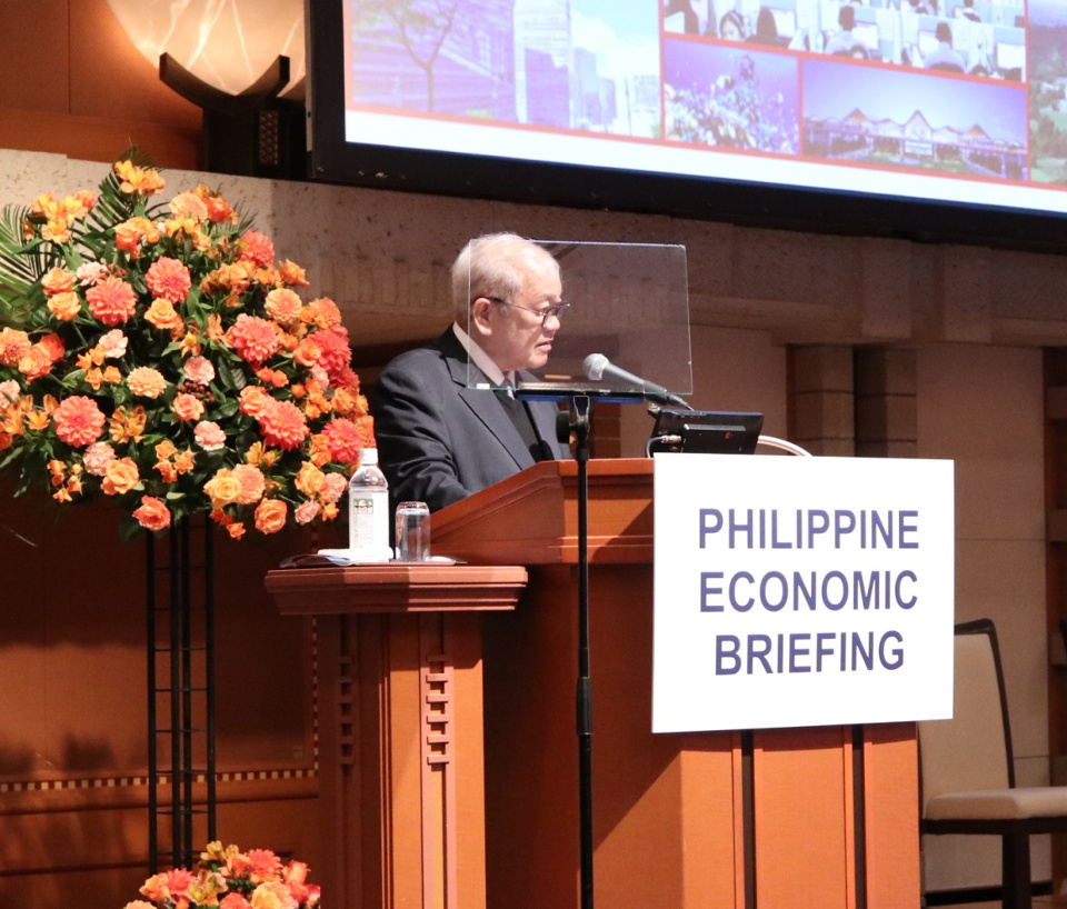 Ambassador Jose C. Laurel V delivers his welcome remarks during the Philippine Economic Briefing 2018. (Photo by Mr. Howard Felipe)