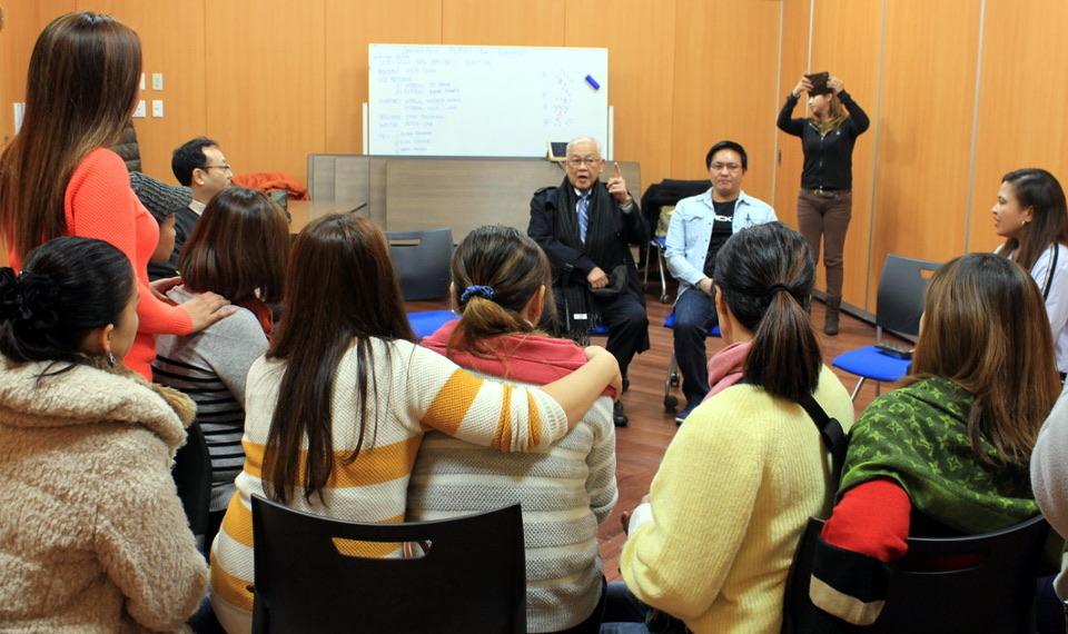 Ambassador Laurel with members of Samahang Pilipino ng Hokkaido